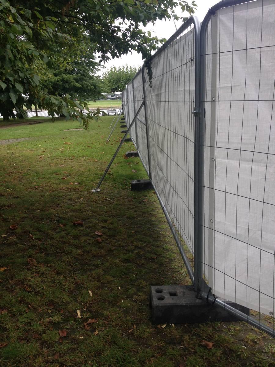 Mobilzaun mit Sichtschutz mieten in Brandenburg